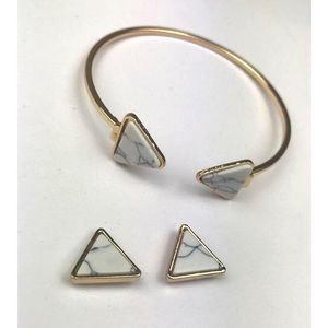 Jewelry - ❌SOLD❌ Marble Triangle Bangle Bracelet